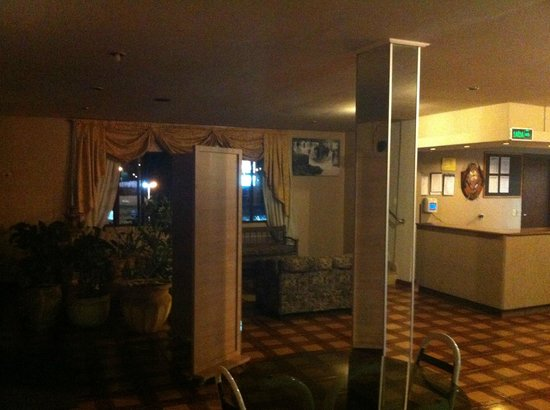 Hotel Baviera Iguassu: Saguão.