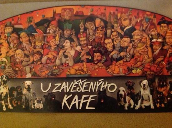 U Zavesenyho Kafe: Dette er godt nok et postkort fra cafeen, men er et billede af noget væg-udsmykningen.