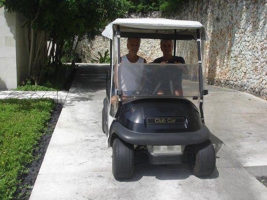 Eletric cars connecting private villas and Alila Villas Uluwatu main building in Bali