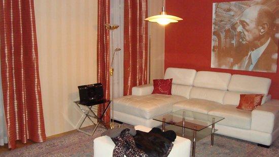 Derag Livinghotel An der Oper: sofa