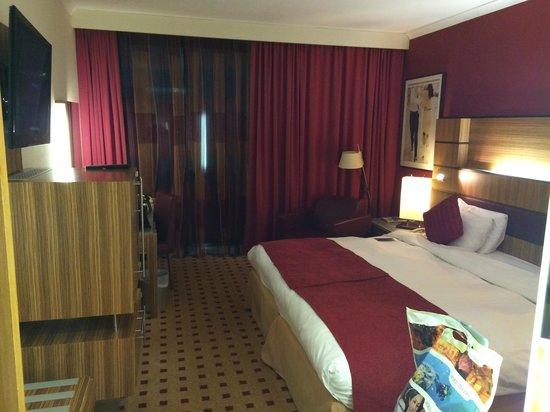 Radisson Blu Hotel London Stansted Airport: Business Class Room