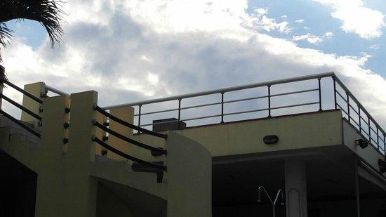 H10 Habana Panorama: Solarium piscine