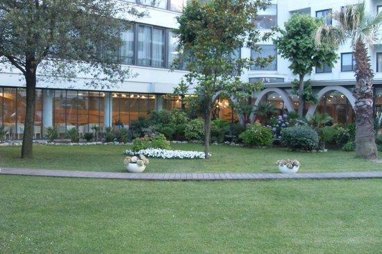 Hotel Le Palme: Территория отеля
