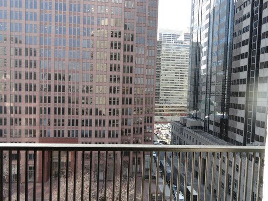 Embassy Suites by Hilton Philadelphia - Center City: View from the spacious balcony.