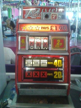Barry's Amusements: 2p machine