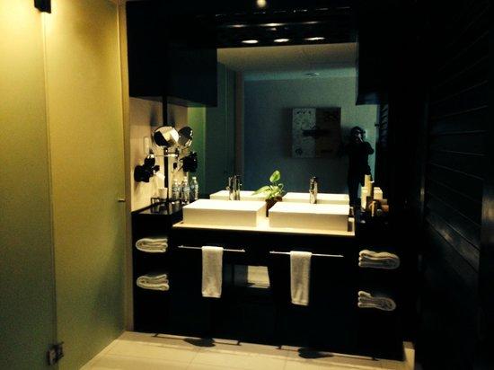 Azul Beach Resort The Fives Playa Del Carmen : bathroom