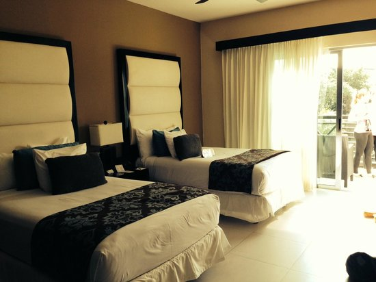 Azul Beach Resort The Fives Playa Del Carmen : bedroom