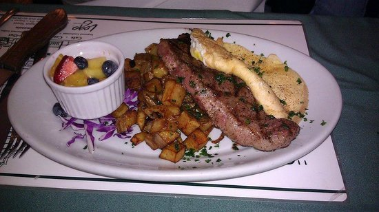 The Polo Inn Bridgeport U.S.A.: Steak and Eggs