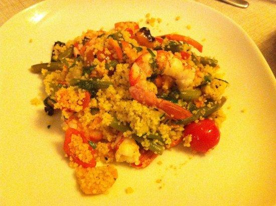 I Malavoglia: Gustoso e fresco cous cous di verdure e gamberi