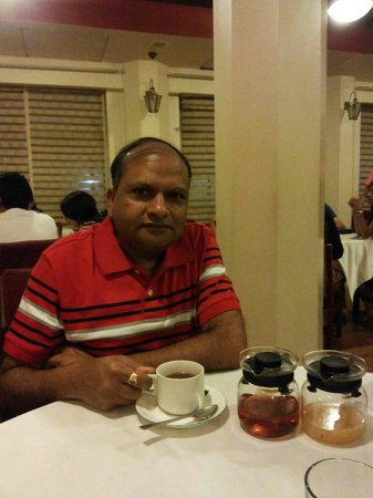 Tea Centre : Enjoying niligiri tea