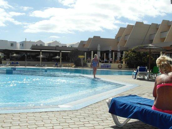 Hotel Coronas Playa : poolside
