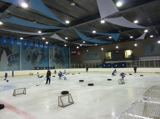 Metro Moskau: Moscow Dynamo Youth Hockey Practice