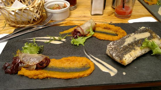 "La Estaka: Prato principal do ""menu do dia"""