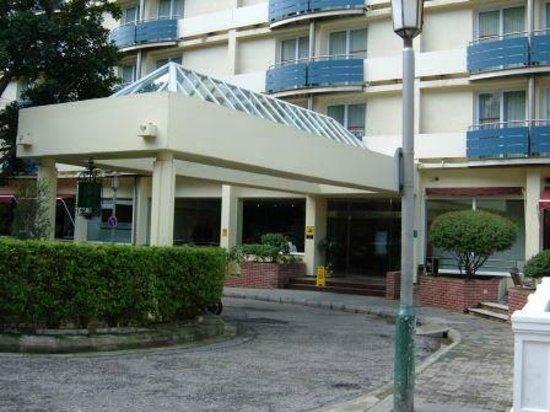 O'Callaghan Eliott Hotel: Entrance