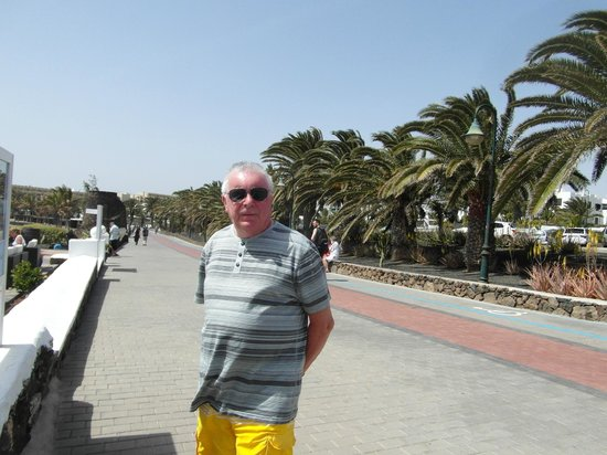 Hotel Coronas Playa : seafront  pathway walk