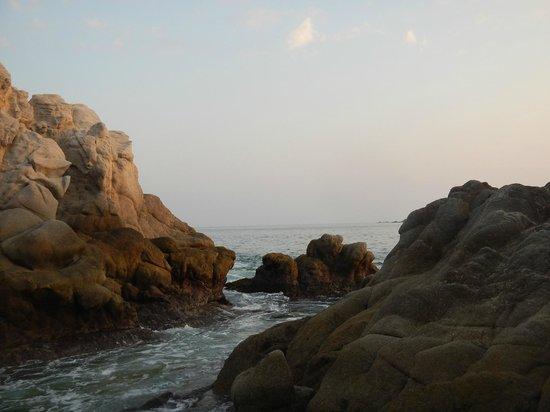 Dreams Huatulco Resort & Spa : just west of the resort beach