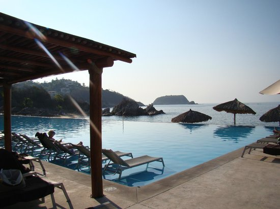 Dreams Huatulco Resort & Spa : main dreams pool