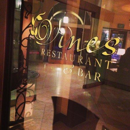 Hyatt Regency Valencia: Vines Restaurant &  Bar