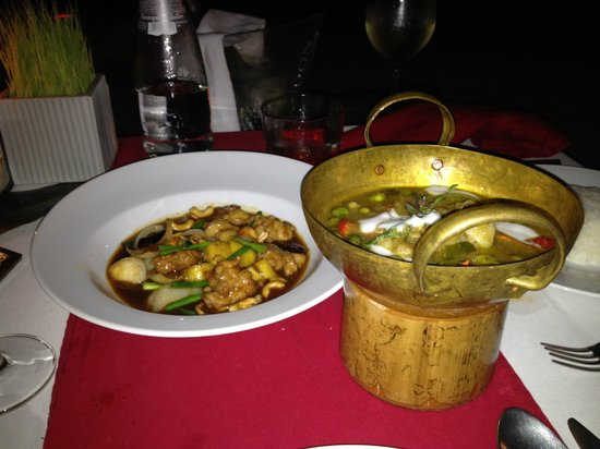 Anantara Rasananda Koh Phangan Villas: Dinner on the beach - Thai spice night!