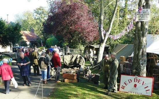 Beck Isle Museum: Red Devils at the Museum on war weekend