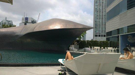 W Bangkok: Pool