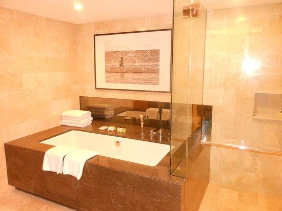 Grand Hyatt Bali: Suite 1103