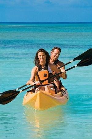 Alexandra Resort: Kayaking at The Alexandra
