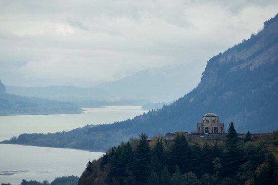 Columbia River Gorge National Scenic Area: Someone once asked me if this was a real place on earth --YES it is!