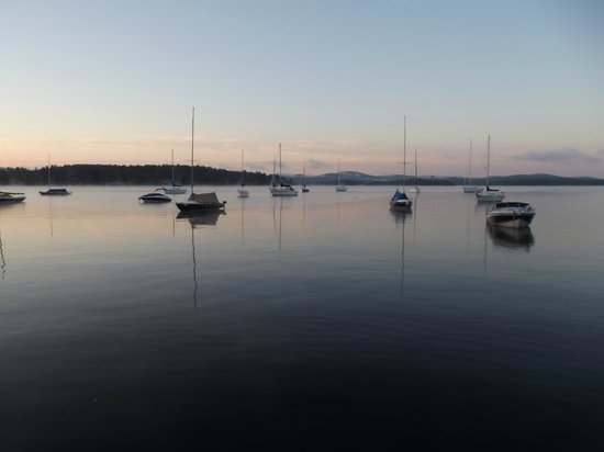 The Cottages of Wolfeboro: Short Morning Walk to Wolfeboro Harbor to relax with a cup of coffee