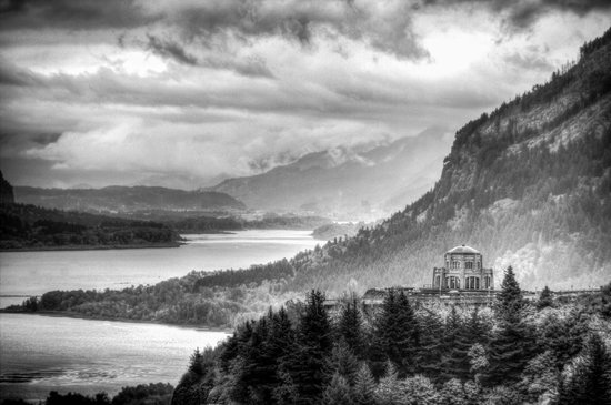 Columbia River Gorge National Scenic Area : The vistas above the gorge are truly breath taking.