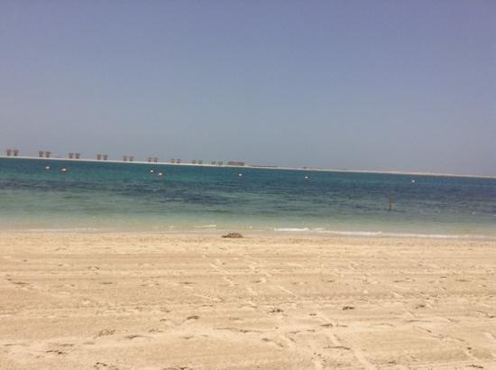 JA Jebel Ali Beach Hotel: beach