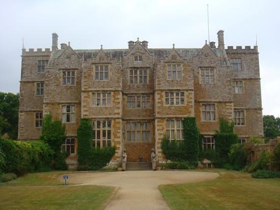 Sudeley Castle Cottages: Chastleton House ( guided tours only)