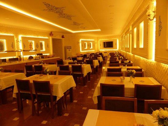The Byzantium Hotel & Suites: Breakfast Restaurant