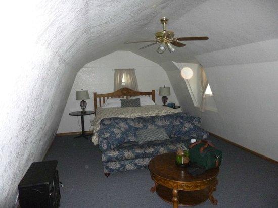 Grape Creek Ranch Bed & Breakfast : Upper floor bed