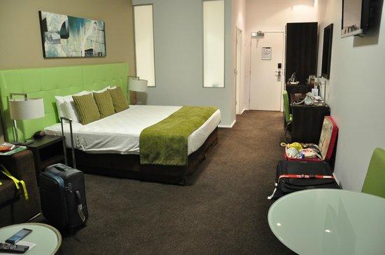 Mercure Melbourne Caroline Springs: Room view 1