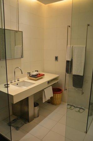 Hotel Kapok Beijing: Bathroom