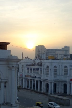Hotel Palace Heights : View of Connaught Place from hotel room