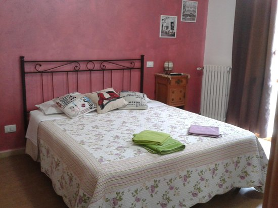 Camera da letto Lilla - Picture of B&B Casa di Gio, Rome - TripAdvisor
