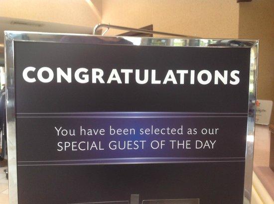 Coast Tsawwassen Inn : Guest of the Day Program (random draw)