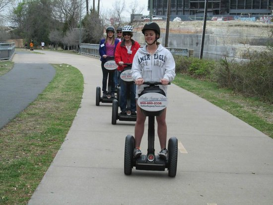Dallas Segway Tours : Beginning the trail