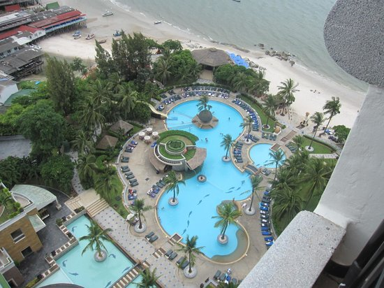 Hilton Hua Hin Resort & Spa : The awesome pool