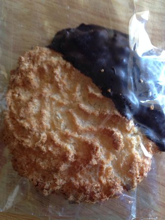 Green Flash Coffee: So good, it deserved its own picture. Coconut macaroon.