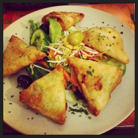 Parsifal : triangoli di pasta filo fritti con patate e prezzemolo