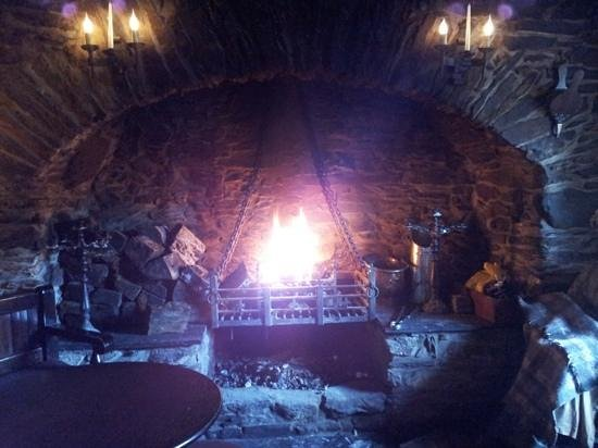 The Falls of Dochart Inn: The roaring fire... far more impressive than this photo lets on