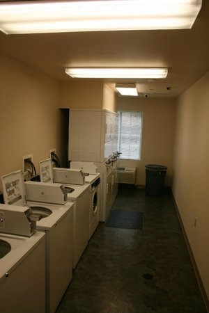 Stay Lodge Thomasville: On site Laundry