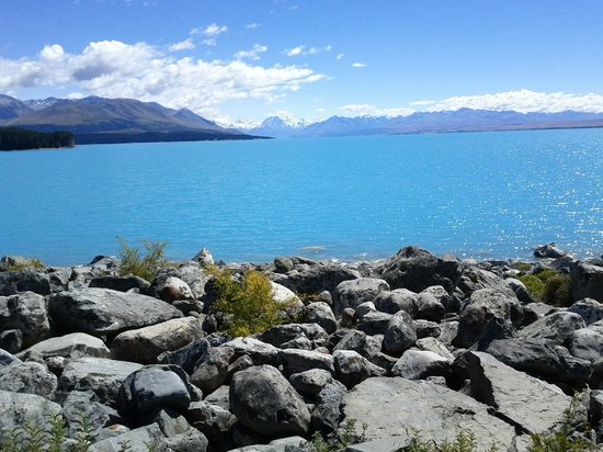 GreatSights New Zealand Day Tours: gorgeous turquoise Lake Tekapo or Pukaki enroute to Mt. Cook