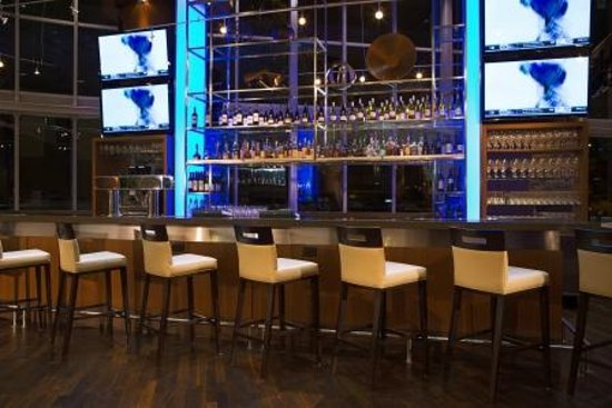 Showcase restaurant bar vancouver downtown menu for Best private dining rooms vancouver
