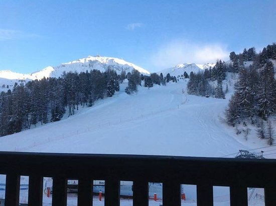 Chalet Hotel Christina : The morning view from the bedroom