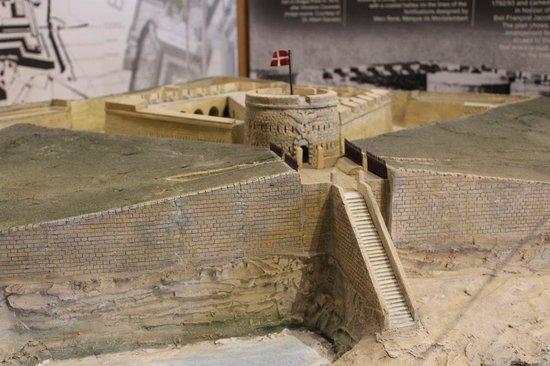 Fortifications Interpretation Centre - Fortifications Interpretation Centre: Model of Fort Tigne at the exhibition