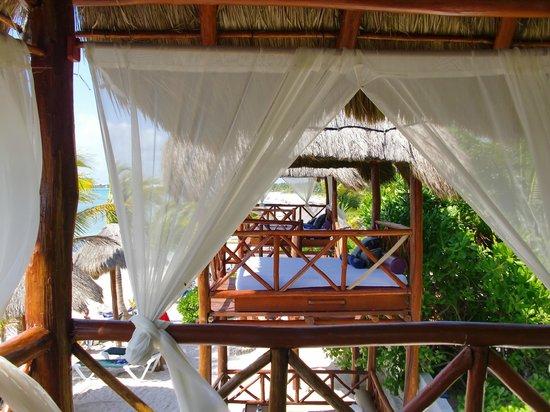 Sensimar Seaside Suites & Spa: Palapa view